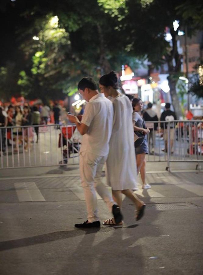 Á hậu Thanh Tú và chồng đại gia bất ngờ xuất hiện tại địa điểm này sau đám cưới hoành tráng - Ảnh 2.