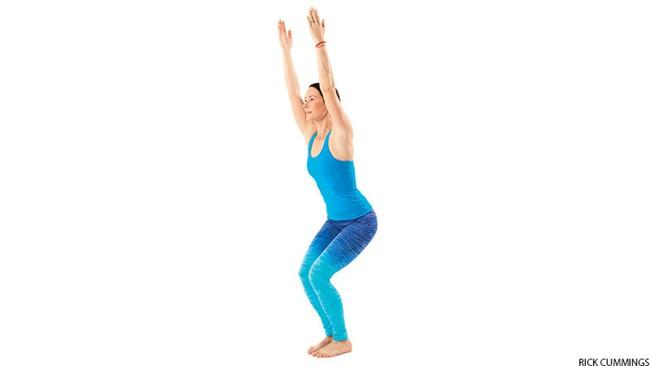 5 tư thế yoga cơ bản giúp cải thiện sức khỏe - Ảnh 1.