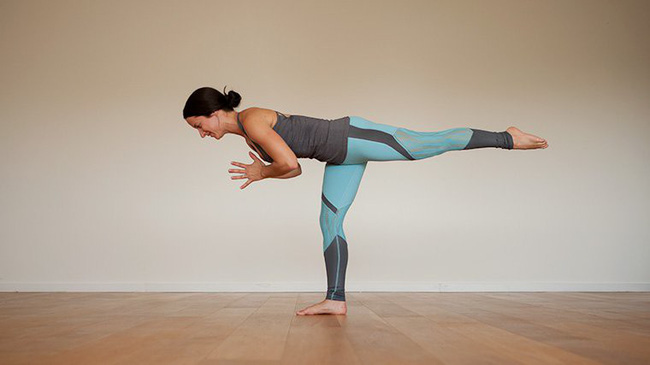 5 tư thế yoga cơ bản giúp cải thiện sức khỏe - Ảnh 5.