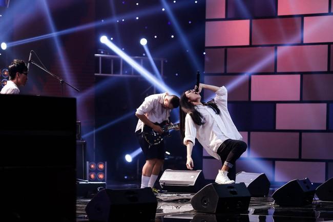 Mỹ Linh tuyên bố đoạn tuyệt tình cảm với Phương Uyên trong tập đầu Ban nhạc Việt mùa 2 - Ảnh 7.