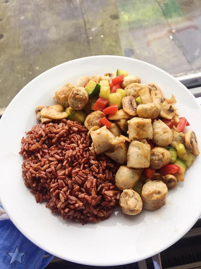 Học cách giữ dáng nhờ ăn theo những thực đơn giảm cân được du học sinh tự tay làm - Ảnh 13.