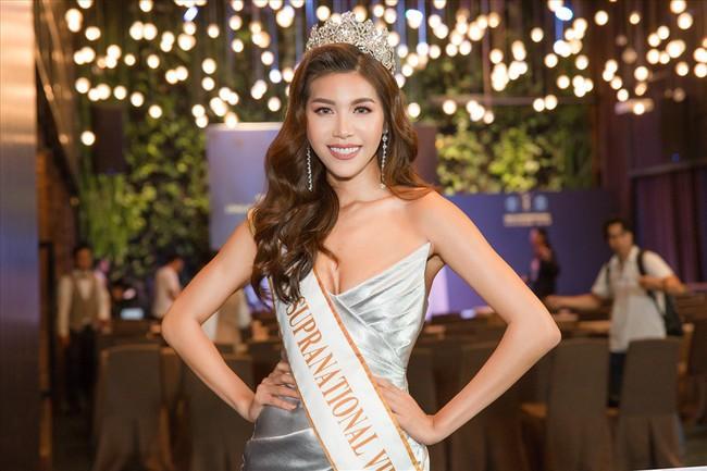 Nhìn lại hành trình của Minh Tú tại Miss Supranational 2018: Từ ồn ào mua giải, bị chơi xấu tới vị trí top 10 - Ảnh 1.