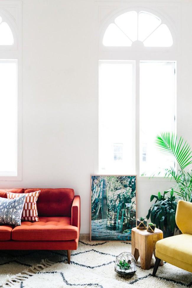 Đừng bỏ lỡ chiếc ghế sofa đỏ cho phòng khách khi mùa lễ hội đã cận kề - Ảnh 11.