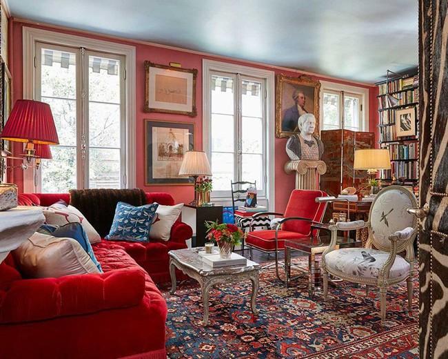 Đừng bỏ lỡ chiếc ghế sofa đỏ cho phòng khách khi mùa lễ hội đã cận kề - Ảnh 12.