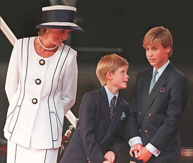 Bài học nuôi dạy con vô cùng quý giá tôi học được từ Công nương Diana - Ảnh 2.