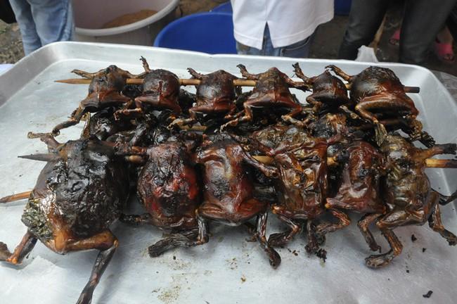 Ếch òn nguyên con - món ăn khiến nhiều người khiếp vía khi vừa nhìn thấy này lại là đặc sản ở Việt Nam và cả Thái Lan - Ảnh 4.