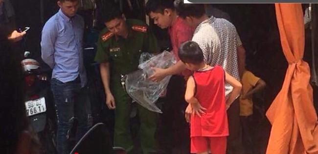 Bắc Giang: Vợ sắp sinh con bị chồng lên cơn động kinh chém lìa tay  - Ảnh 2.