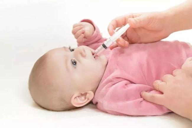 Bé gái 3 tuổi nhập viện cấp cứu vì ngộ độc thứ mà nhà nào cũng có - Ảnh 3.