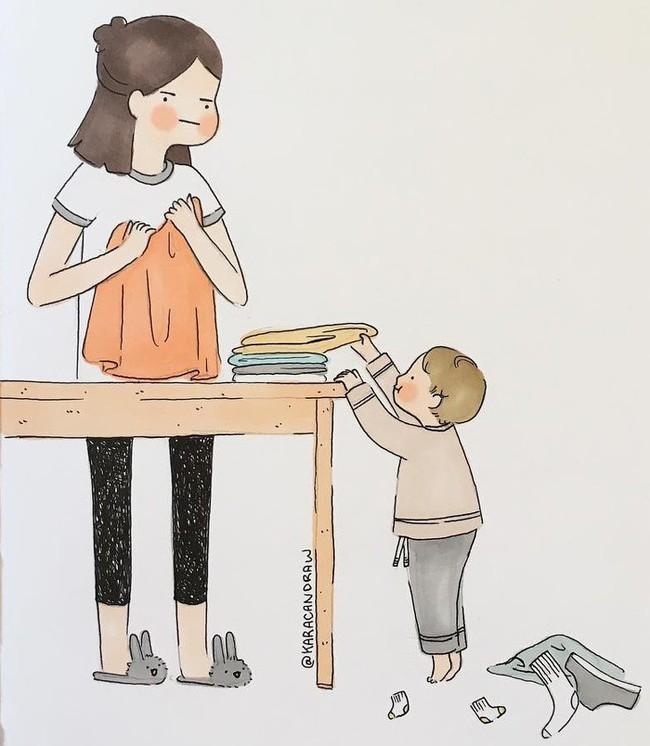 Mẹ nuôi con nhỏ nào cũng thấy mình trong những bức vẽ phác họa khoảnh khắc đời thường mà đầy xúc cảm này - Ảnh 2.