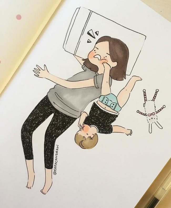 Mẹ nuôi con nhỏ nào cũng thấy mình trong những bức vẽ phác họa khoảnh khắc đời thường mà đầy xúc cảm này - Ảnh 16.