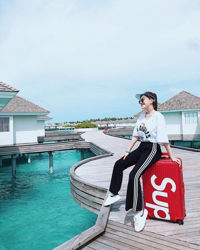 Đi du lịch có 1 tuần nhưng Bảo Thy mang gần chục bộ đồ bơi để chụp ảnh thả dáng - Ảnh 2.