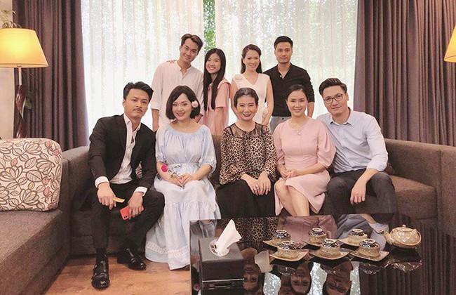 Nhã Phương, Nhan Phúc Vinh cùng được đề cử Diễn viên ấn tượng nhất VTV Awards, đấu nhau quyết liệt với Hồng Đăng - Hồng Diễm - Ảnh 2.