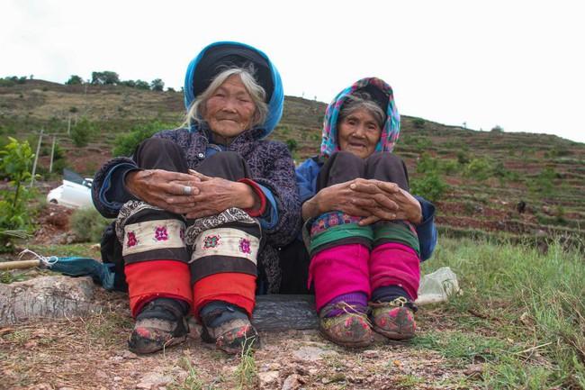 Tục Bó chân gót sen của Trung Quốc xưa: Hình ảnh những đôi chân rỉ máu và biến dạng khiến phụ nữ thời nay phải nín thở nổi da gà - Ảnh 10.