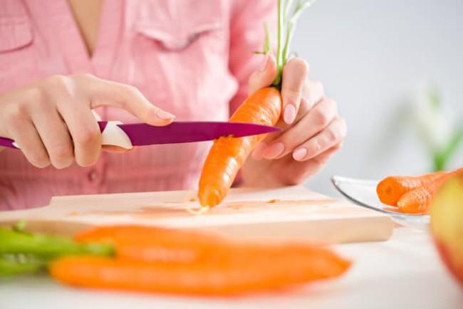 Vào bếp thường xuyên mà chị em không biết những mẹo nhỏ thần kì này thì công việc nấu nướng sẽ chỉ thêm nặng nề và mệt nhọc - Ảnh 15.
