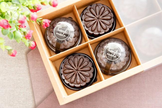 Trung thu này - học ngay cách làm bánh Trung thu tiramisu được chia sẻ bởi mẹ TuBi - Ảnh 1.