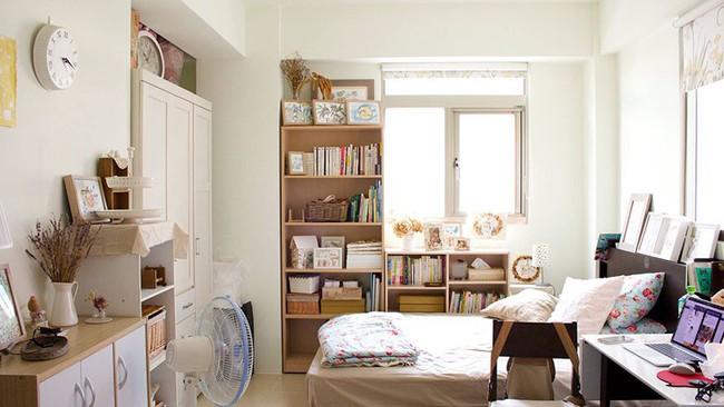 Bất ngờ với cách sắp xếp nội thất gọn gàng, thông minh trong căn hộ đi thuê của cô gái trẻ - Ảnh 1.