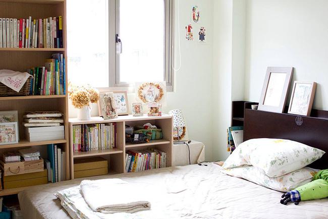 Bất ngờ với cách sắp xếp nội thất gọn gàng, thông minh trong căn hộ đi thuê của cô gái trẻ - Ảnh 4.