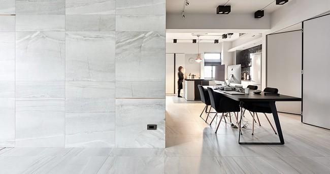 Chỉ với hai màu ghi và đen, căn hộ của cặp vợ chồng trẻ trở nên ấn tượng và cá tính bất ngờ  - Ảnh 6.