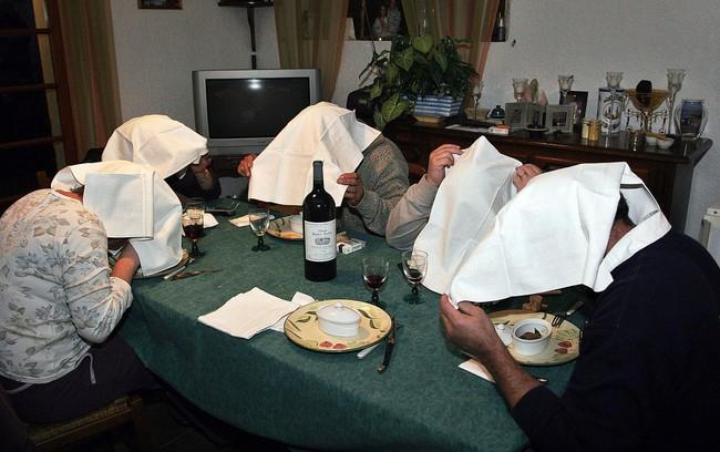 Nỗi đau của chim họa mi và câu chuyện về tấm khăn che mắt Chúa: Tuyệt tác hay vết nhơ đầy tội lỗi trong văn hóa ẩm thực Pháp? - Ảnh 6.