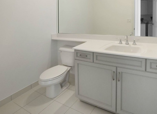 Vẫn diện tích đó nhưng chỉ cần làm theo 8 lời khuyên dưới đây, phòng tắm nhà bạn sẽ rộng hơn tức thì - Ảnh 6.