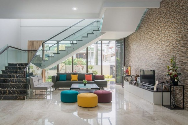 Mẫu thiết kế nhà 2 tầng đẹp hiện đại và sang trọng - Ảnh 1.