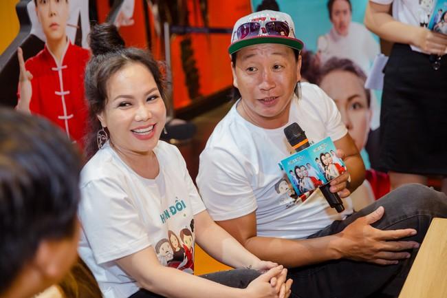Việt Hương tự nhận mới 18 tuổi, thường xuyên mắng chửi Trấn Thành vì lý do này - Ảnh 5.