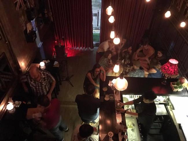5 quán bar nhẹ nhàng xinh đẹp cho các quý cô Sài Gòn thư giãn sau giờ làm - Ảnh 6.