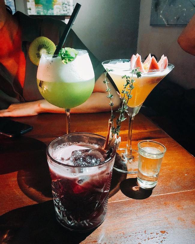 5 quán bar nhẹ nhàng xinh đẹp cho các quý cô Sài Gòn thư giãn sau giờ làm - Ảnh 3.