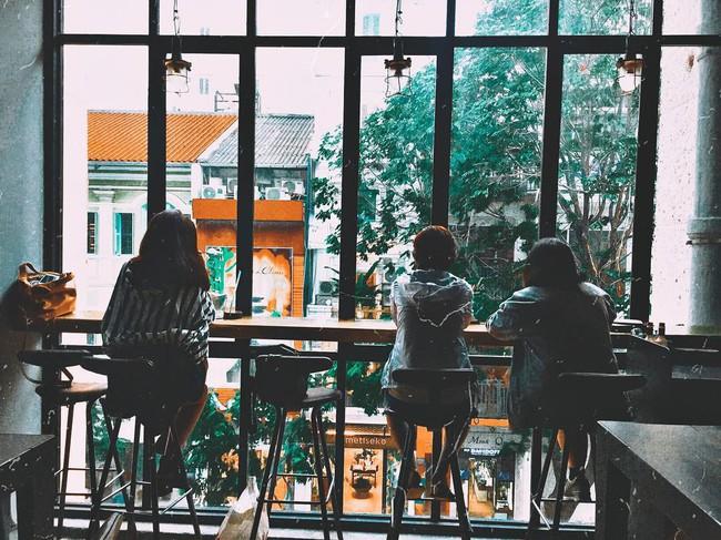 5 quán bar nhẹ nhàng xinh đẹp cho các quý cô Sài Gòn thư giãn sau giờ làm - Ảnh 1.