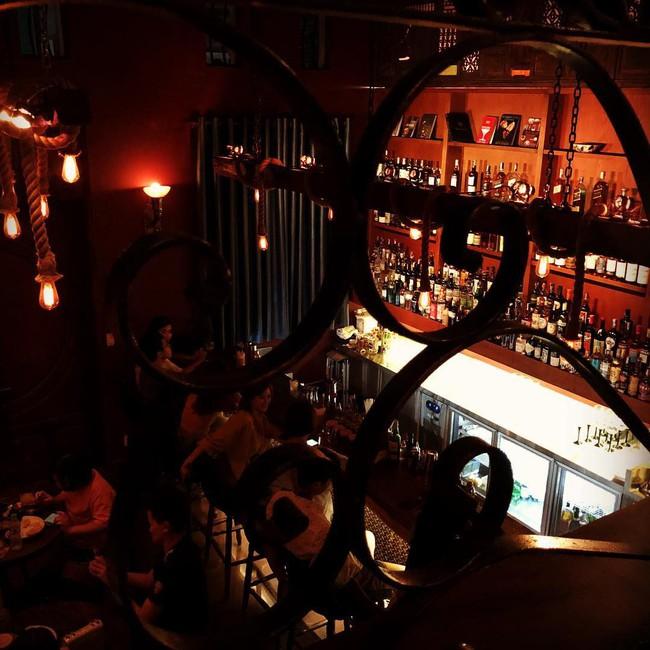 5 quán bar nhẹ nhàng xinh đẹp cho các quý cô Sài Gòn thư giãn sau giờ làm - Ảnh 12.