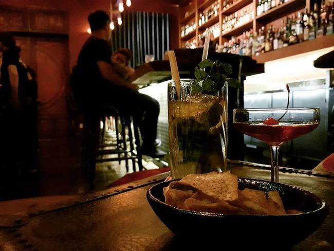 5 quán bar nhẹ nhàng xinh đẹp cho các quý cô Sài Gòn thư giãn sau giờ làm - Ảnh 13.