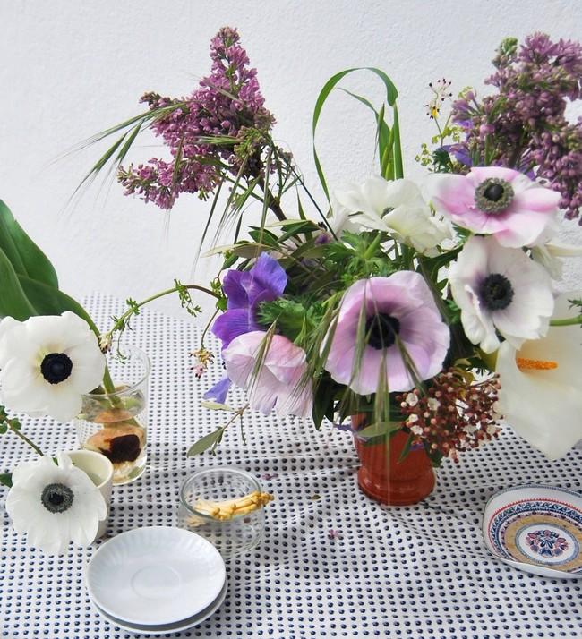 Mang vẻ đẹp tràn đầy sức sống của các loài hoa vào ngôi nhà với cách cắm hoa đơn giản  - Ảnh 6.