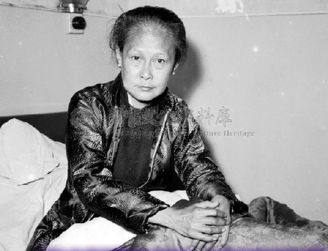 Minh tinh lắm chiêu đầu tiên của Trung Quốc: Từ tiểu thư lá ngọc cành vàng đến cuối đời đi ăn xin đầu đường xó chợ, chết vì nghiện ngập - Ảnh 10.