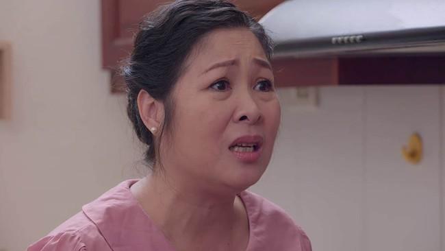 Xấu hổ vì mẹ ăn mặc quê mùa, Hân Hoa hậu nhận cái kết đáng đời trong Gạo nếp gạo tẻ - Ảnh 3.