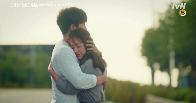 Chỉ vì muốn nói yêu Han Ji Min, Ji Sung suýt gây tai nạn giao thông nghiêm trọng - Ảnh 14.