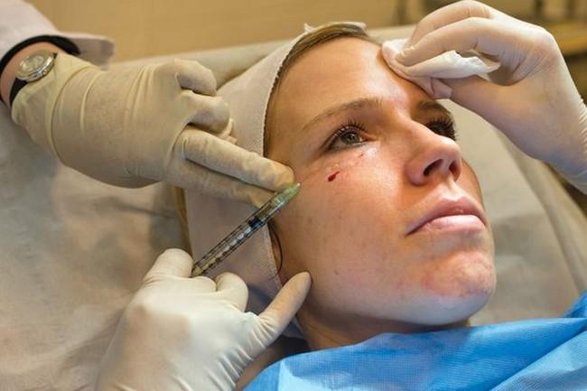 Mặt nạ ma cà rồng: Giới chuyên gia đang khuyến cáo người làm cần đi làm xét nghiệm HIV - Ảnh 3.