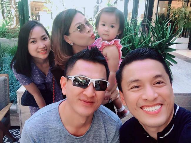 Gia đình Lam Trường hội ngộ cùng vợ chồng Thanh Thảo tại Mỹ - Ảnh 1.