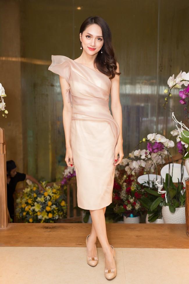 Phớt lờ tin đồn rạn nứt hôn nhân, Phạm Quỳnh Anh xuất hiện tươi tắn bên Hương Giang  - Ảnh 5.