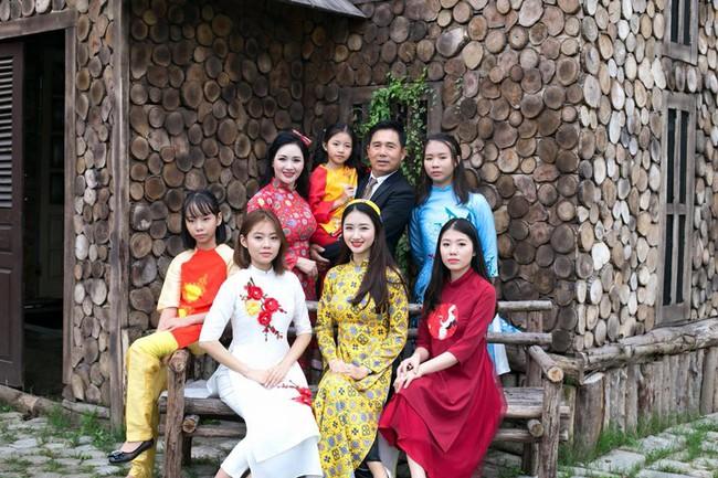 Đọ nhan sắc của mẹ ruột các Hoa hậu, Á hậu được khen là đẹp hơn cả con gái - Ảnh 25.