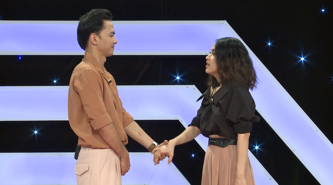Lâm Khánh Chi bật khóc: Tôi bị nhà chồng kỳ thị, chồng cố tình giấu giếm chuyện qua lại với tình cũ  - Ảnh 9.