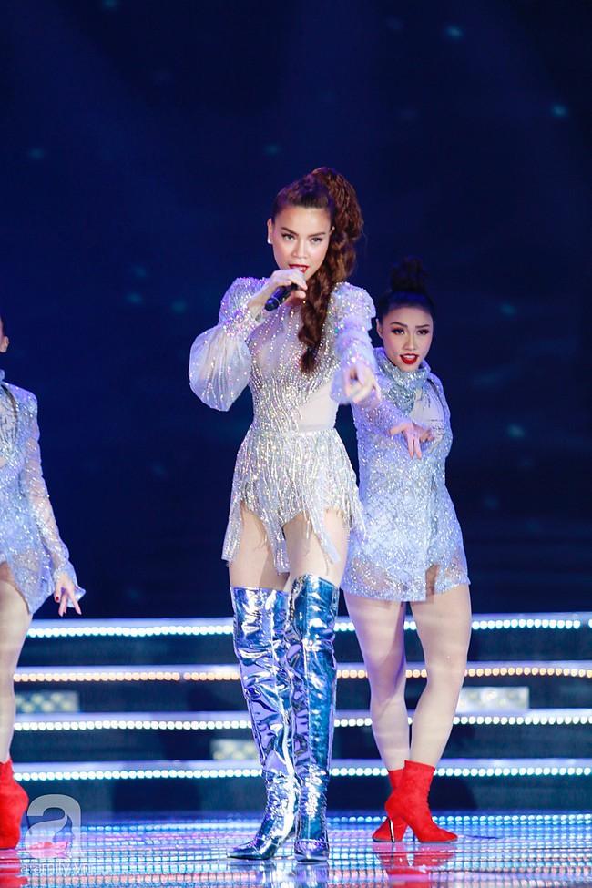 Hồ Ngọc Hà diện trang phục bó sát khuấy động sân khấu Chung kết Hoa hậu Việt Nam 2018 với 2 bản hit mới - Ảnh 6.