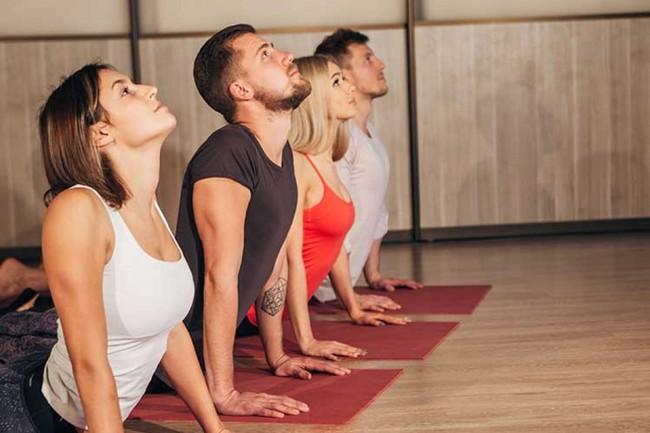 Lời khuyên của chuyên gia: Muốn tập yoga đúng chuẩn, trước khi bắt đầu tập ai cũng cần ghi nhớ những điều này - Ảnh 2.