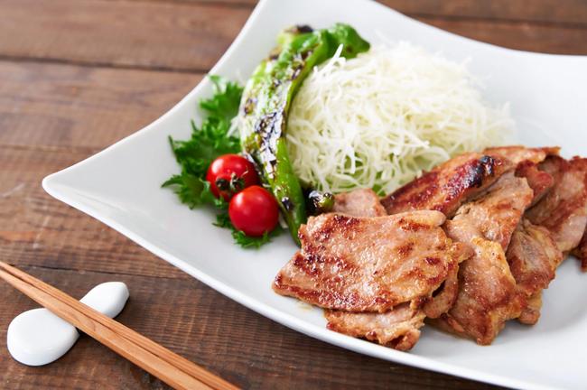 Người Nhật có cách làm món thịt chiên gừng chế biến siêu nhanh mà ăn cực ngon - Ảnh 5.