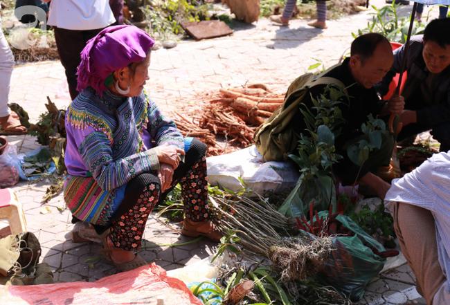 Lạc lối với những món ăn mang vị núi rừng ở chợ phiên nguyên sơ vùng cao Bắc Hà - Ảnh 22.