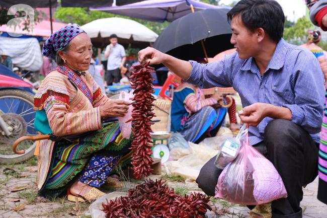 Lạc lối với những món ăn mang vị núi rừng ở chợ phiên nguyên sơ vùng cao Bắc Hà - Ảnh 19.