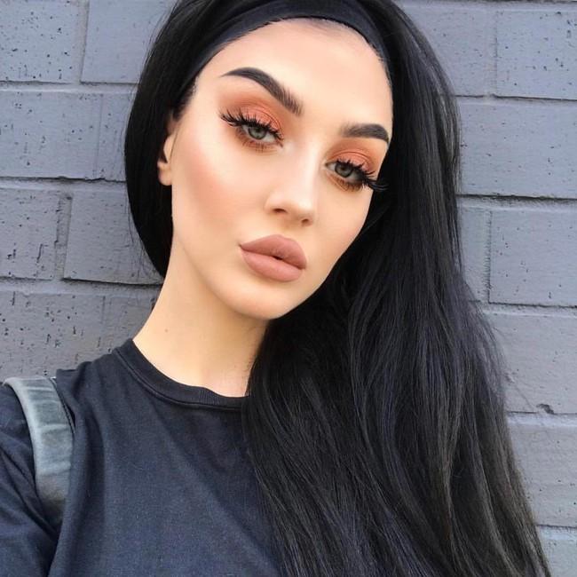 Những lời khuyên cụ thể giúp bạn tìm được tông màu makeup phù hợp cho từng bộ phận trên khuôn mặt - Ảnh 2.