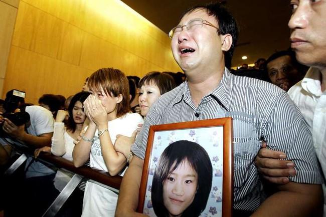 Thi thể bé gái 8 tuổi bọc trong 9 lớp nilon và tội ác man rợ của ông chú Malaysia khiến cả đảo quốc sư tử Singapore chấn động  - Ảnh 2.