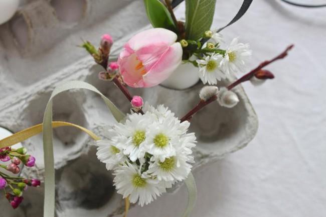Khung cửa sổ lãng mạn bất ngờ với cách làm rèm hoa vỏ trứng vô cùng tiết kiệm chi phí - Ảnh 9.
