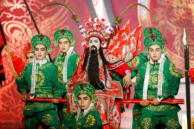 Hóa thân thành con Cám của NSƯT Thành Lộc, Duy Khánh xuất sắc giành ngôi vị Quán quân Gương mặt thân quen 2018 - Ảnh 15.
