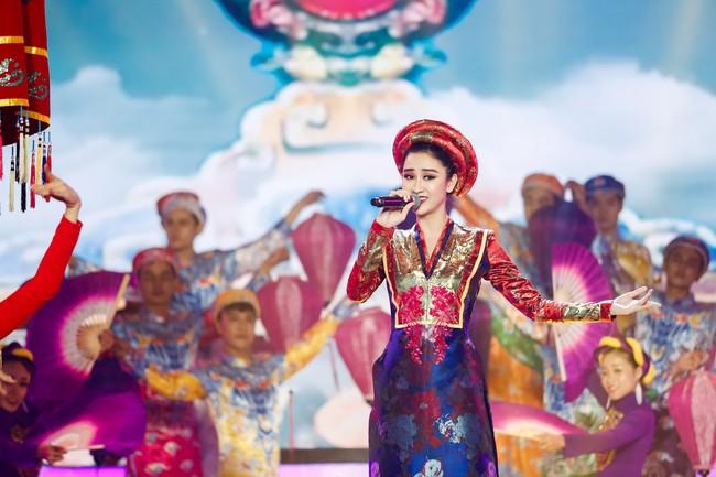 Hóa thân thành con Cám của NSƯT Thành Lộc, Duy Khánh xuất sắc giành ngôi vị Quán quân Gương mặt thân quen 2018 - Ảnh 6.